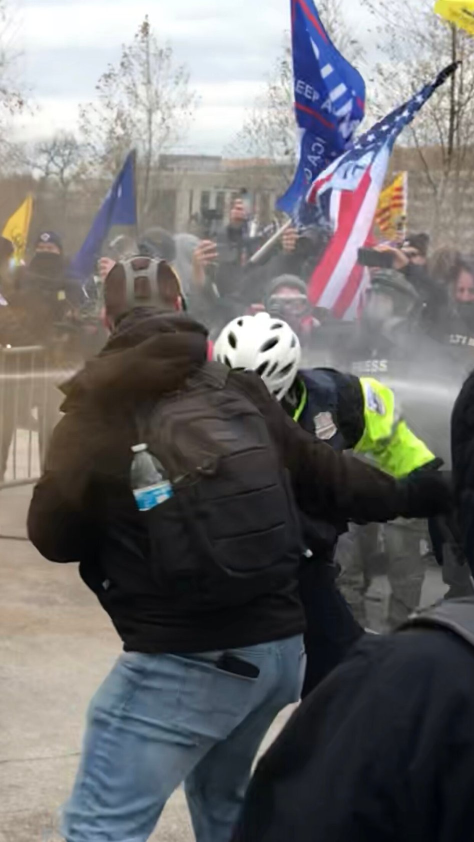 ANTIFA Press capturing assault on Officer